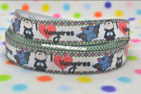 I Love Vampires  - 7/8 inch-halloween, vampire, vampies, love