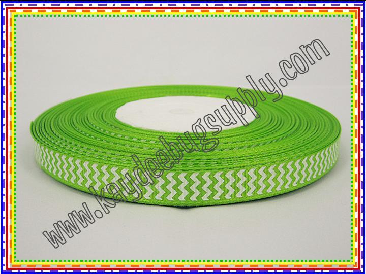 Chevron APPLE GREEN (9mm)-chevron, zig, zag, zigzag, zig zag, wavy, trim, 9mm, 9 mm, bright, lime, green, apple, neon