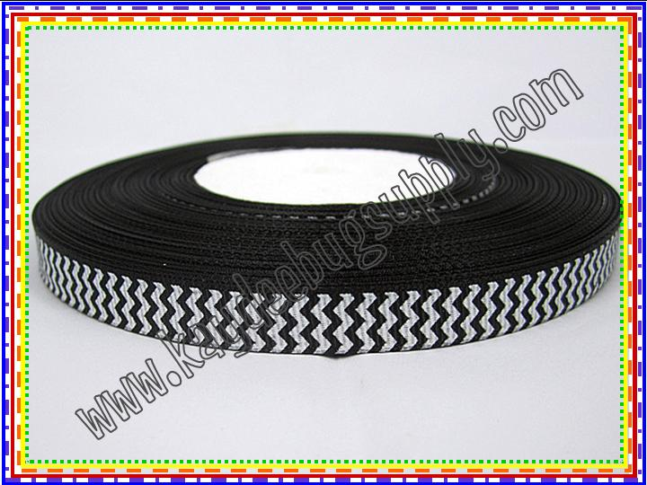 Chevron BLACK (9mm)-chevron, zig, zag, zigzag, zig zag, wavy, trim, 9mm, 9 mm,black