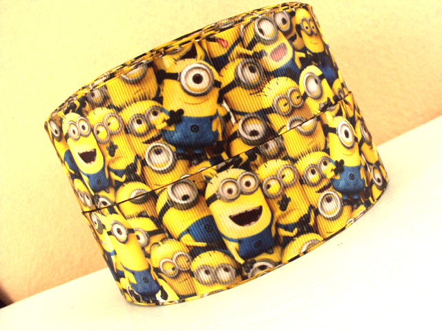 Despicable Me MINIONS Only - 1.5 inch-despicable me, despicable, dispicable, minion, minions, movie, despicable me, despicable, dispicable, minion, minions, movie, one, two, eye, eyed, monster, monsters, yellow, eiffel, tower, bubbles, halloween
