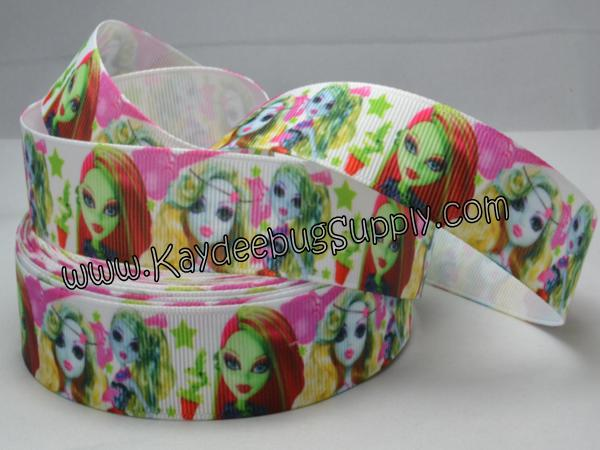 Monster High - Scaris - 7/8 inch-monster, high, scaris, school, zombie, skull, skulls, draculaura,