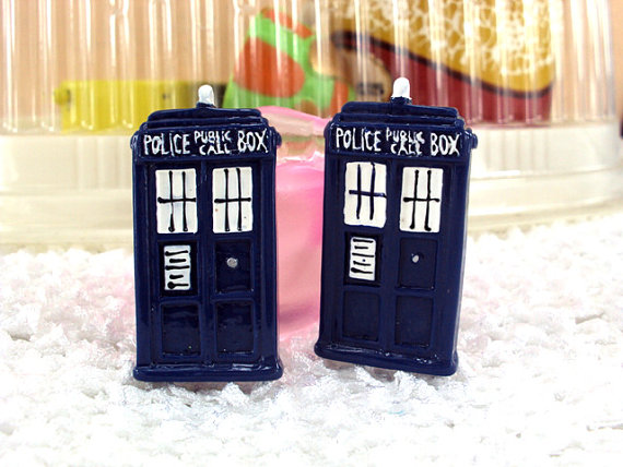 Dr. Who Tardis - Flatback Resin-dr. who, dr, who, tardis, phone, booth, police, call, box, wobbly, wibbly, movie, halloween, Flatback, Resin, Cabochon, Bow, Centers, Appliques, Charms, Pendant, cabochons, flat, back, backs, flatbacks, center, resins