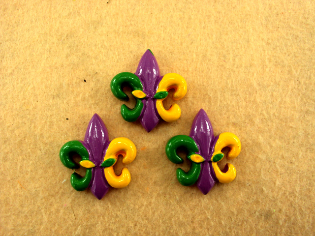 Mardi Gras - Fleur De Lis - Flatback Resin Cabochon Decoden-mardi, gras, krewe, purple, green, yellow, festival, holiday, glitter, stripes, masks, masquerade, purple, background, decoden, flatback, resin, flat, backs, resins, cabochons, cabochon, flatbacks, bow, center, centers, charm, pendant, pendants, charms, back,