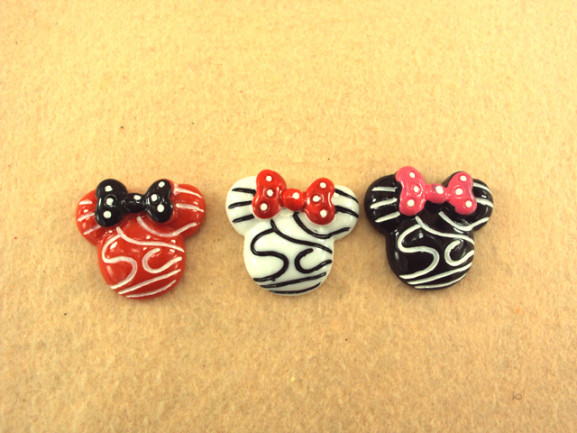 Minnie Mouse Head - Red White or Black - Flatback Resin Cabochon-minnie, mouse, pink, decoden, flatback, resin, flat, backs, resins, cabochons, cabochon, flatbacks, bow, center, centers, charm, pendant, pendants, charms, back,