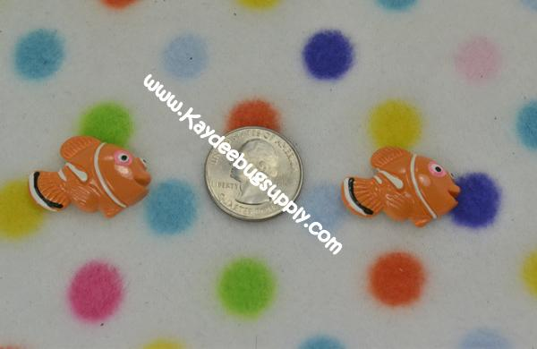 Nemo - Clown Fish - Flatback Resin Cabochon-nick, jr, jr., nickelodeon, bubble, guppies, fish, orange, guppy, water, nemo, , clown, mermair, dori, dory, finding, guppeies,, decoden, flatback, resin, flat, backs, resins, cabochons, cabochon, flatbacks, bow, center, centers, charm, pendant, pendants, charms, back,
