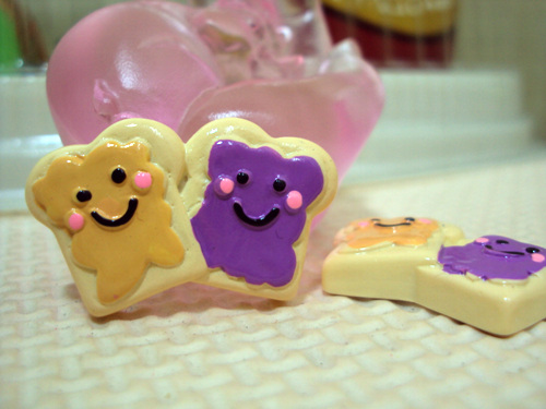 Best Friends - Flatback Resin Cabochon Decoden-best, friend, friends, peanut, butter, jelly, pbj, pb&j, bff, forever,decoden, flatback, resin, flat, backs, resins, cabochons, cabochon, flatbacks, bow, center, centers, charm, pendant, pendants, charms, back,