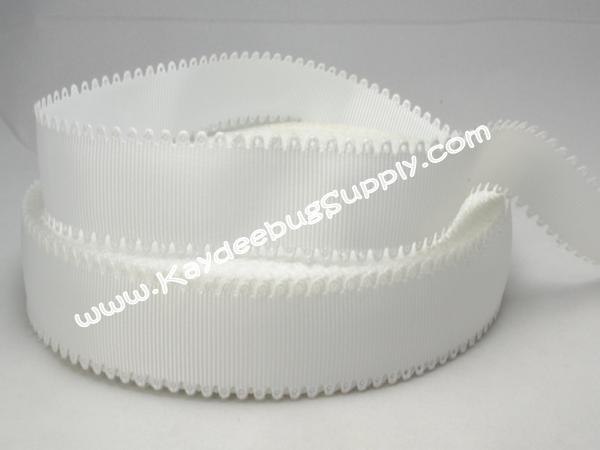 SOLID - Scalloped Edge - WHITE - 7/8 inch-wave, scallop, scalloped, edge, white, valentine, grosgrain, unique, ribbon, valentines,