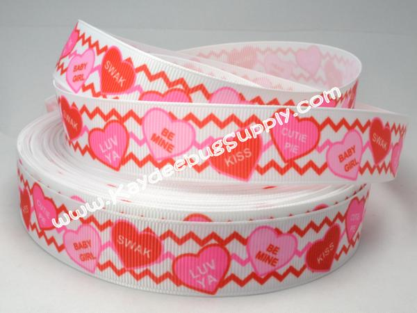 Conversation Hearts on Chevron - 7/8 inch-love, conversation, heart, hearts, kiss, v-day, valentines, valentine, red, 22mm,  red, pink, chevron